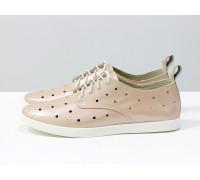 Легкие туфли из натуральной кожи розового цвета с перфорацией по всей поверхности, на белой эластичной подошве и белой шнуровке, Д-16-06