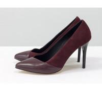 Туфли на шпильке из натуральной замши и кожи бордового цвета, коллекция Весна-Лето от Джино Фиджини, Т-1701-03