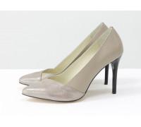 Нюдовые туфли на каблуке из натуральной кожи бежевого цвета двух структур, коллекция Весна-Лето от Джино Фиджини,  Т-1701-06