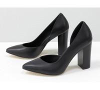 Красивые туфли из натуральной кожи черного цвета, на устойчивом глянцевом каблуке, Лимитированная серия, Т-1701/1-07
