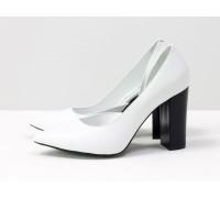 Эксклюзивные монохромные туфли из натуральной кожи белого цвета, на устойчивом черном глянцевом каблуке, Лимитированная серия, Т-1701/1-15