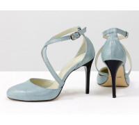 Туфли с ремешками крест на крест из натуральной кожи голубого цвета с лазерным напылением, на каблуке - шпилька, коллекция Весна-Лето от Gino Figini, С-17043/2-05