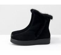 Классические высокие ботинки женские из натуральной замши черного цвета со вставкой из натуральной норки, на удобной не высокой танкетке, Коллекция Осень-Зима от Джино Фиджини, Б-17123-01