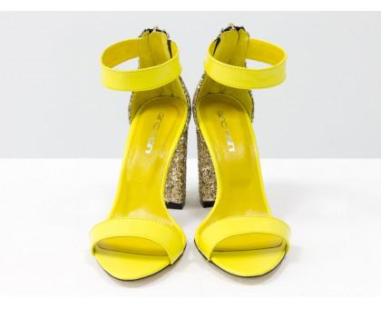 Нарядные Босоножки из натуральной кожи ярко-желтого цвета и текстиля золотая крошка, на устойчивом обтяжном каблуке, Коллекция Весна-Лето, С-1731-02