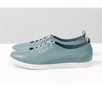 Невероятно легкие туфли-кеды из натуральной матовой  кожи голубого цвета на яркой белой эластичной подошве и белой шнуровке , Т-17412-07