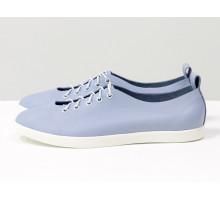 Облегченные туфли-кеды из натуральной кожи нежно-голубого цвета на яркой белой эластичной подошве и белой шнуровке , Т-17412-19