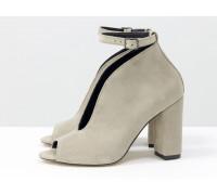 Дизайнерские туфли с открытым носиком из натуральной замши бежевого цвета, на устойчивом обтяжном каблуке, Лимитированная серия, TM Gino Figini, Т-17420-08
