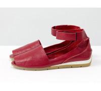 Удобные и легкие босоножки с открытым носиком из натуральной кожи флотар ярко-красного цвета с застежкой на липучке, С-17424-01