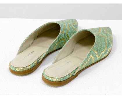 Мюли из натуральной кожи бирюзового и золотого цвета с текстурой питон, Т-17428-01