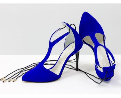 Нарядные туфли на шнуровке с удлиненным носиком, на лаковой шпильке, выполнены из натуральной замши ярко-синего цвета, Коллекция Весна-Лето, С-1801/1-02