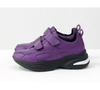 Яркие кроссовки на липучках от Gino Figini из натуральной кожи фиолетового цвета, на пружинистой вспененной подошве черно-белого цвета, Т-19149-04