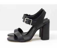 Стильные женские босоножки на каблуке, из итальянской кожи черного цвета, на устойчивом невысоком обтяжном каблуке. Новая коллекция от Gino Figini, С-1951-01