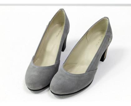 Классические туфли из натуральной замши серого цвета на невысоком устойчивом каблуке, Т-200-09