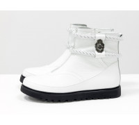 Белые нарядные низкие сапожки в стиле UGG из натуральной кожи флотар, на легкой, непромерзаемой подошве, Коллекция Осень-Зима от ТМ Gino Figini, Б-20104-01