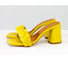 """Дизайнерские шлепанцы """"косички"""" на расклешенном матовом каблуке, выполнены из натуральной итальянской кожи ярко-желтого цвета, Новая Коллекция Весна-Лето от Gino Figini, Лимитированная серия, С-2041-10"""