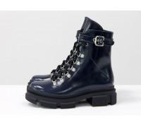Яркие синие лаковые берцы на шнуровке и на высокой тракторной подошве, новая зимняя коллекция от Джино Фиджини, Б-2065-03