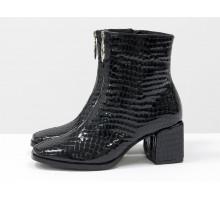 """Классические черные ботинки с молнией спереди, на невысоком каблуке квадратной формы, из натуральной лаковой итальянской кожи с текстурой """"питон"""", Новая коллекция от Gino Figini,  Б-2077-04"""