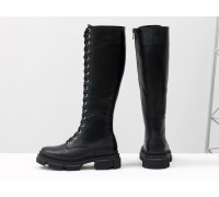 Высокие сапоги на шнуровке из натуральной гладкой лицевой черной кожи на тракторной зимней подошве, Коллекция Осень-Зима, М-2090-01