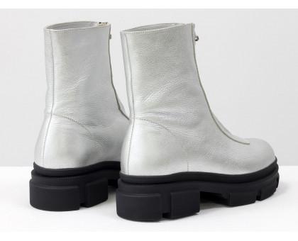 Стильные классические ботинки из натуральной кожи серебряного цвета на тракторной подошве черного цвета, спереди украшены молнией, Новая коллекция от Gino Figini, Б-2103-04