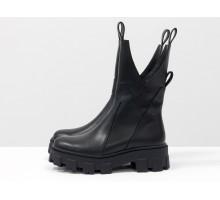 Дизайнерские эксклюзивные ботинки ассиметричного кроя из натуральной гладкой черной кожи на тракторной подошве, Коллекция Осень-Зима, Б-2104-01