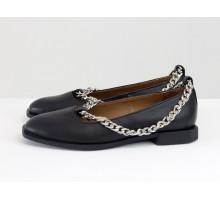 Стильные дизайнерские туфли с квадратным носком, из натуральной кожи черно цвета, с крупной серебряной цепью, на квадратном современном каблуке. Новая коллекция от Gino Figini, Т-2111-02