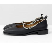 Стильные дизайнерские туфли с квадратным носком, из натуральной кожи черного цвета, с крупной серебряной цепью, на квадратном современном каблуке. Новая коллекция от Gino Figini, Т-2113-06