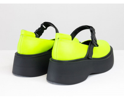 Яркие кожаные туфли - сандалеты неонового салатового цвета в легком спортивном стиле, на черной платформе и с эластичным ремешком, Весенняя коллекция от Джино Фиджини, Т-2117-03