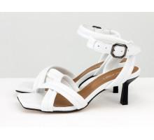 """Дизайнерские """"дутые"""" босоножки на каблуке-рюмочка, выполнены из натуральной итальянской кожи белого цвета, Новая Коллекция Весна-Лето от Gino Figini, Лимитированная серия, С-2123-04"""