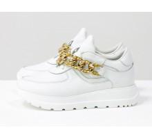 Базовые белые кроссовки из натуральной итальянской кожи, на современной подошве в цвет, украшены съемной золотой цепью с камнями, Новая коллекция от Gino Figini, Т-2124-04