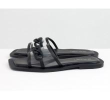 Дизайнерские шлепанцы из натуральной итальянской кожи и силикона, с квадратным носиком на квадратном современном каблуке,  украшены черной матовой цепочкой, С-2146-01