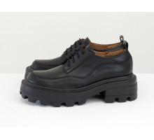Женские туфли на высокой подошве с рельефным протектором, из натуральной кожи черного цвета, на шнуровке, Т-2154-07