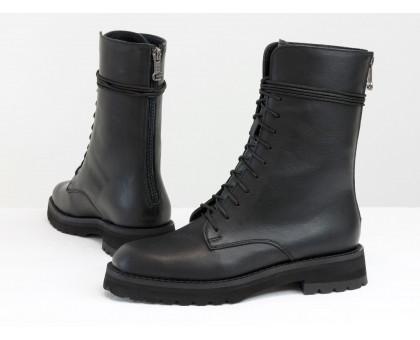 Высокие женские ботинки на шнуровке из натуральной лицевой кожи черного цвета, на утолщенной легкой подошве, с молнией на пятке, Б-2168-01