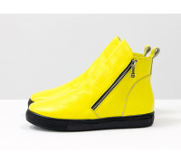 Весенние солнечные ботинки хайтопы из ярко-желтой кожи флотар с металлическими молниями по бокам, на практичной черной подошве, Б-407-26