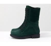 Удобные ботинки из натуральной замши зеленого цвета, на шнурке и на утолщенной противоскользящей  подошве черного цвета, Коллекция Осень-Зима, Б-44-16