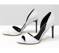 Босоножки из натуральной кожи белого цвета на каблуке-шпилька коллекция лето-весна от Джино Фиджини, С-704-13