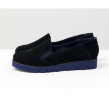Облегченные туфли из натурального замша черного цвета на утолщенной синей подошве, Коллекция Весна-Осень, Т-83-05