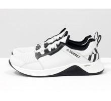Белые мужские кроссовки, из натуральной кожи и перфорированными вставками, с подкладом из облегченной дышащей спортивной ткани, Т-М7-02