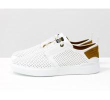 Белые мужские летние туфли на шнуровке, с мягкой пяткой, из натуральной кожи с перфорацией и рыжим подкладом, на белой подошве Т-М9-01