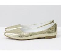 Балетки из натуральной кожи золотого цвета с фурнитурой на тонкой подошве бежевого цвета,  коллекция лето-весна, Т-413-13